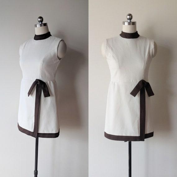 60's micro mini dress / creme and brown polyester