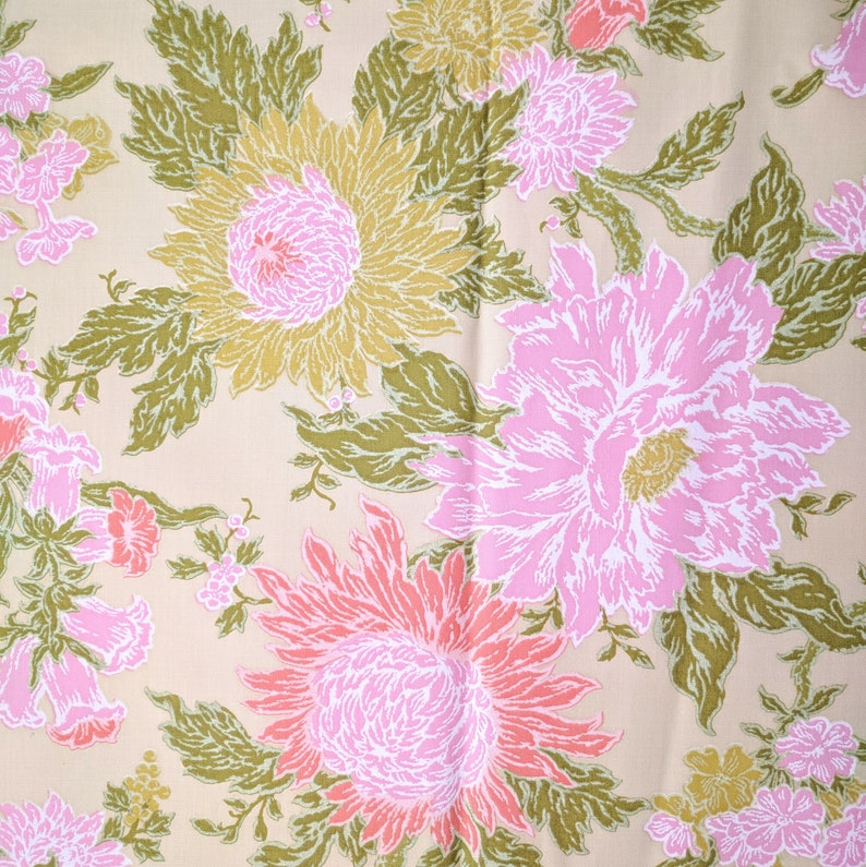 60s Fabric 4 2 3 Yrds Bloomcraft Mod Floral Home Decor
