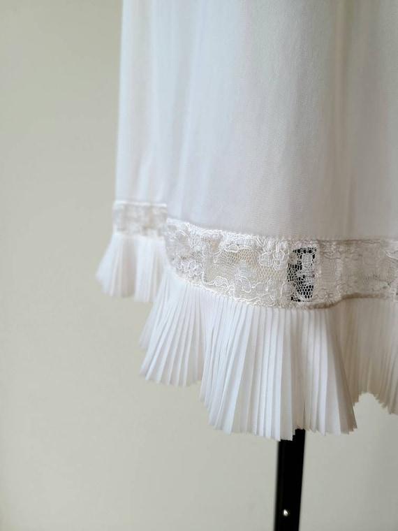 50's Vanity Fair slip/ accordion pleat lace Hem /… - image 6