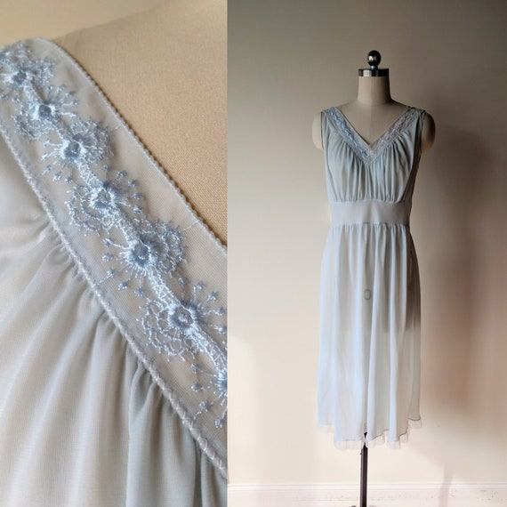 50s negligee/ Faerie pale blue ballerina style gow