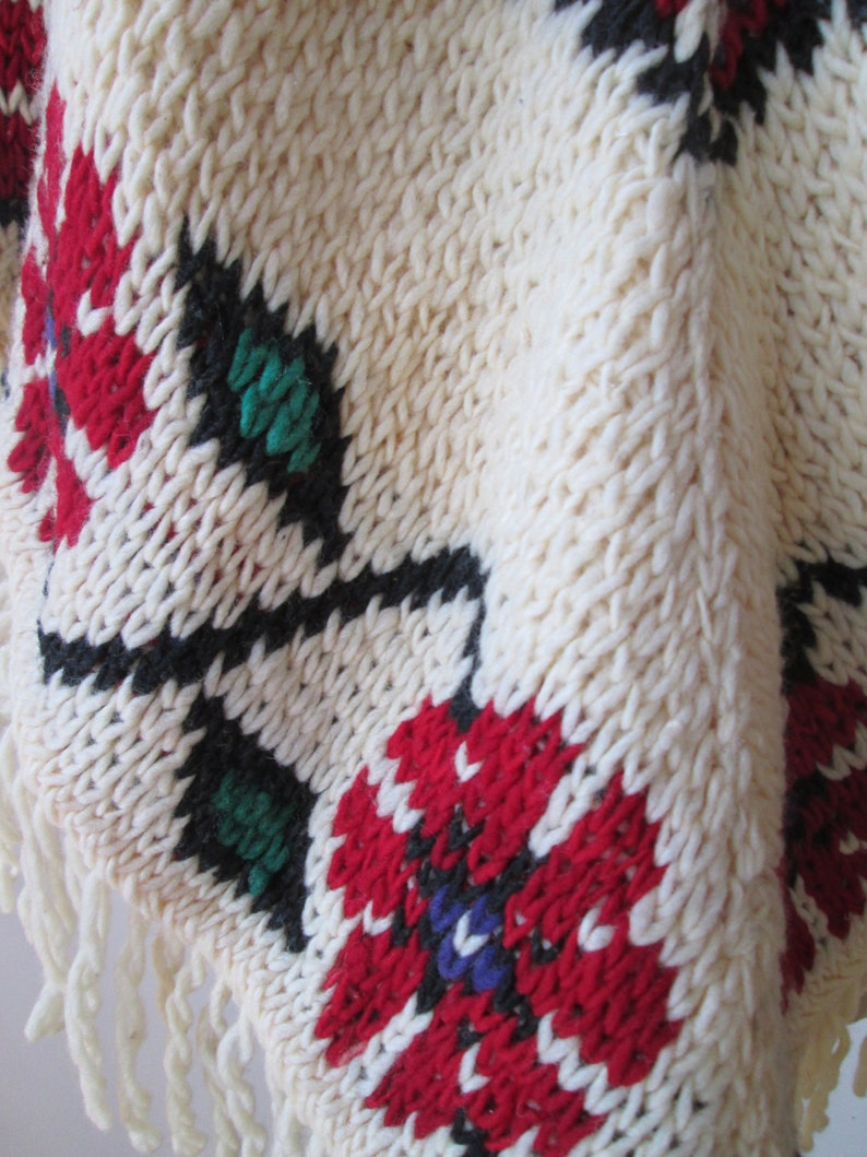 60/'s-70/'s poncho  hand knit Hippie Poncho oversize red flowers Sweater Poncho