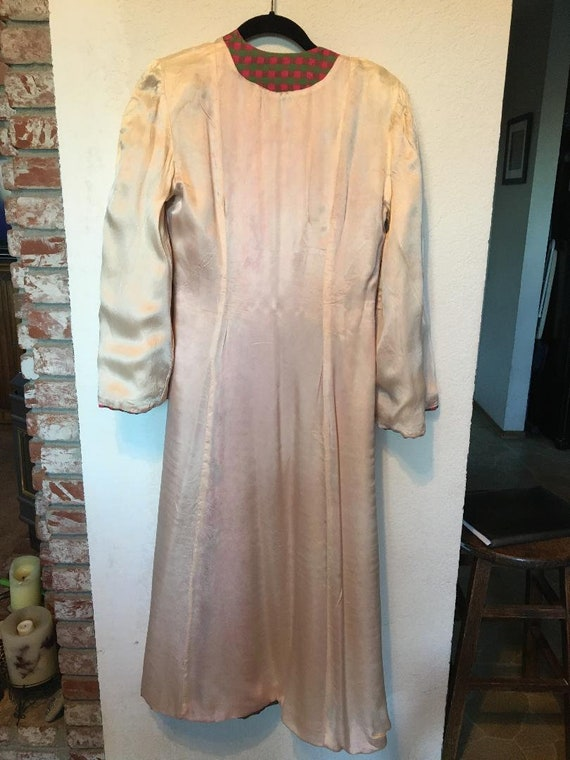 Fabulous 40s Quilted Satin Robe - image 6