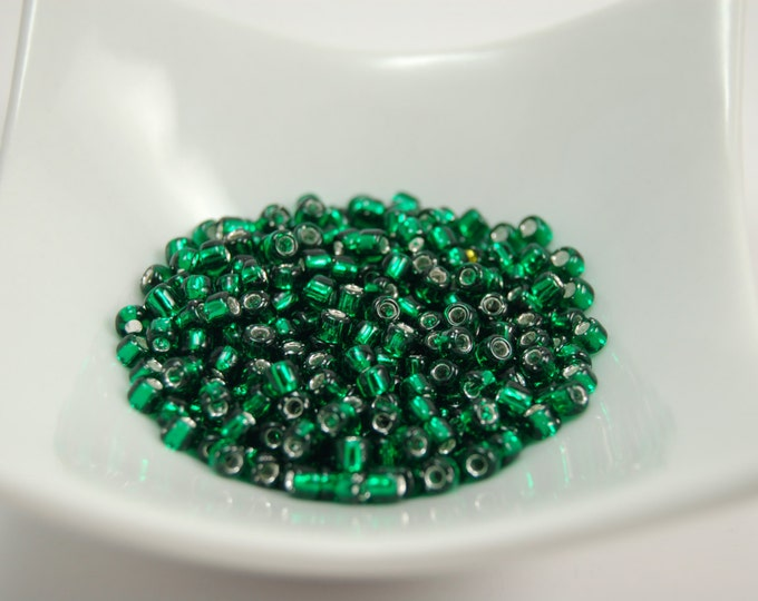 Silver Lined Emerald Green