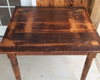 Rustic Wood Farmhouse Table/Country Kitchen Table/Primitive Look Farmhouse  Table/Vintage Farmhouse Table