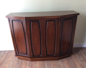 Mid Century Modern Broyhill Premier Emphasis Credenza/Mid Century Hall  Commode/TV Table
