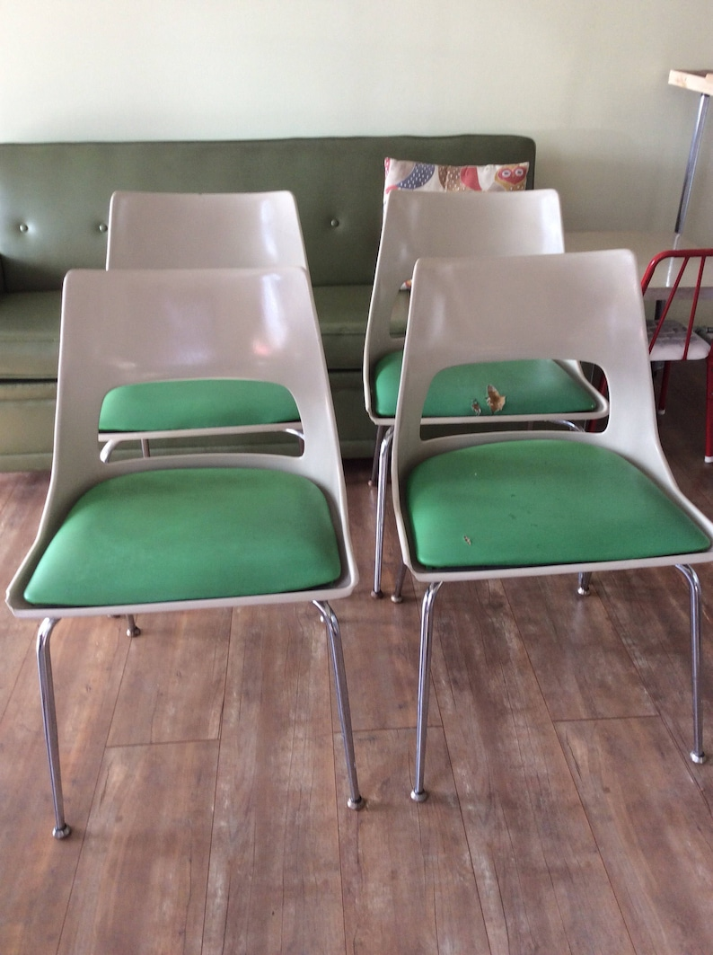 image 0 ... & Set of Four Green Cushion Retro Fiberglass Chairs Made by | Etsy