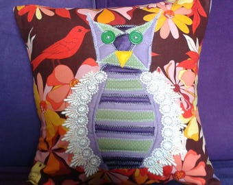 Owl cushion with applique detail