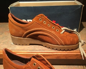 881103c7fae0 NEW DEADSTOCK VINTAGE North Star Star Mates Brown suede men s shoes size 10  rubber sole 70 s