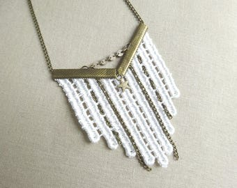 Long pendant necklace retro Vintage white lace and brass chain
