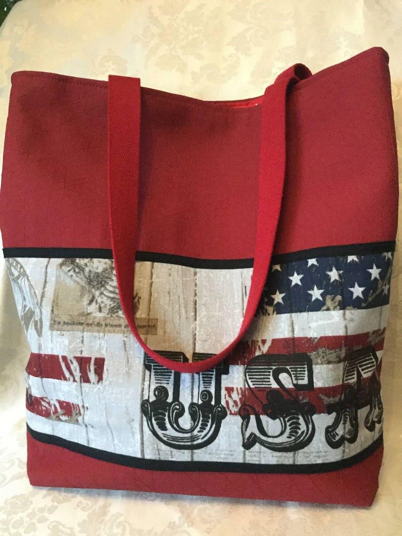 77aacb9f94584c Sac fantaisie fourre tout en simili cuir rouge thème drapeau | Etsy