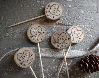 Cupcake Toppers Rustic Wedding Decor Custom Initials & Date / Heart Arrow / Muffin Cake / Rustic Bridal Shower Decor Party Picks Engagement