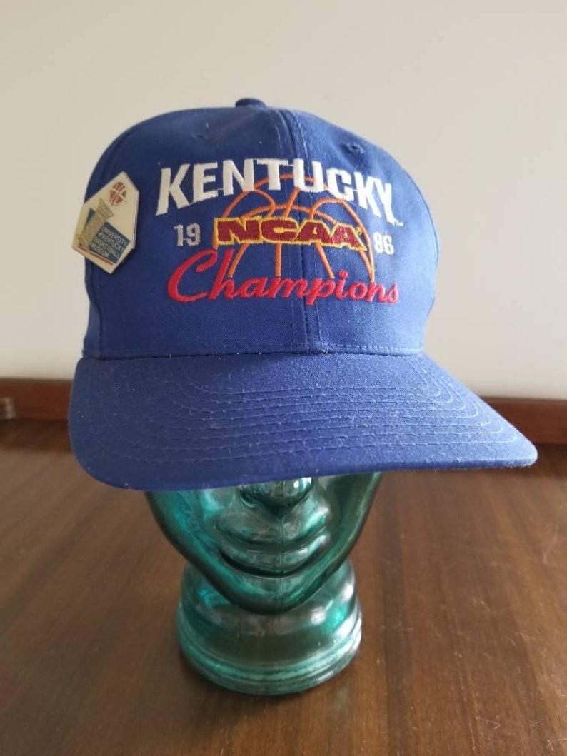 san francisco e84e4 0a735 Vintage 1996 NCAA Champions Kentucky Wildcats Snapback with   Etsy
