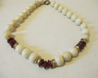 Beaded Necklace with Garnet stones