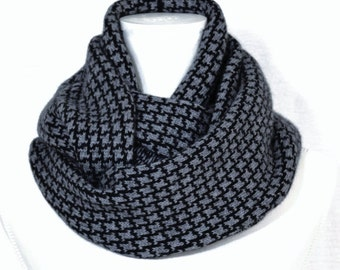 Loop scarf , Cowl, Infinity Scarf.  Black and Grey .   Cashmere.