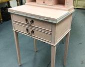Early 20th century ladies bonheur du jour writing desk.