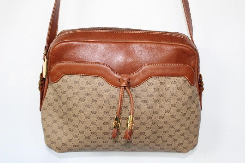73469415f9729e Vintage Authentic Gucci Supreme Shoulder bag in Brown   Etsy