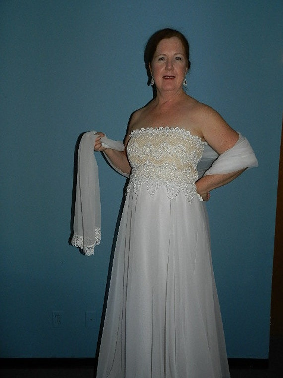 Vintage White Formal Evening Gown Prom or Wedding… - image 2