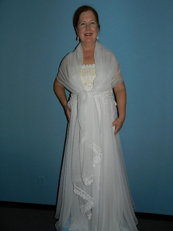 Vintage White Formal Evening Gown Prom or Wedding… - image 5