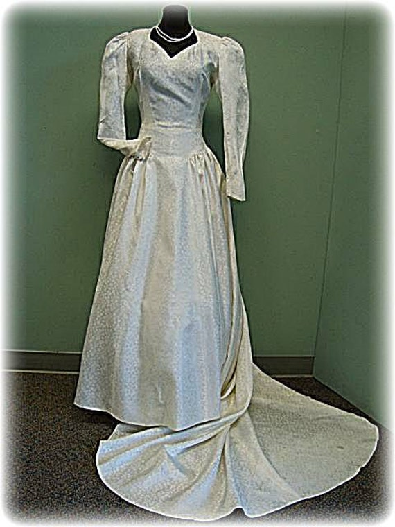 Vintage 40's White Brocade Wedding Gown With Heart