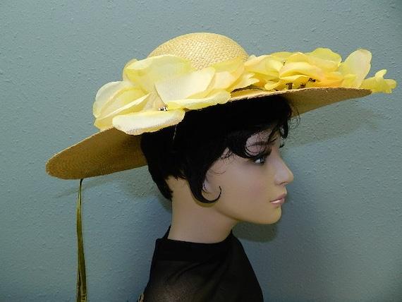 """Beige Summer Straw & Floral Hat with 5""""Brim - image 3"""