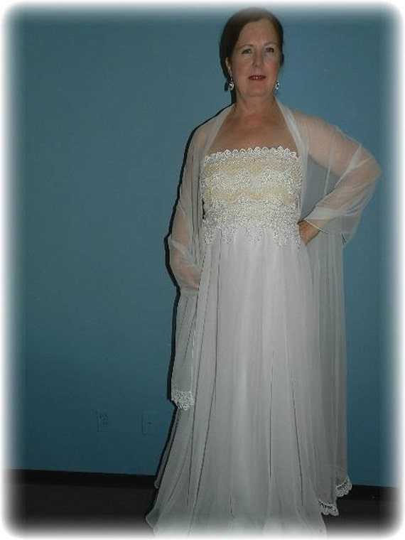 Vintage White Formal Evening Gown Prom or Wedding… - image 1