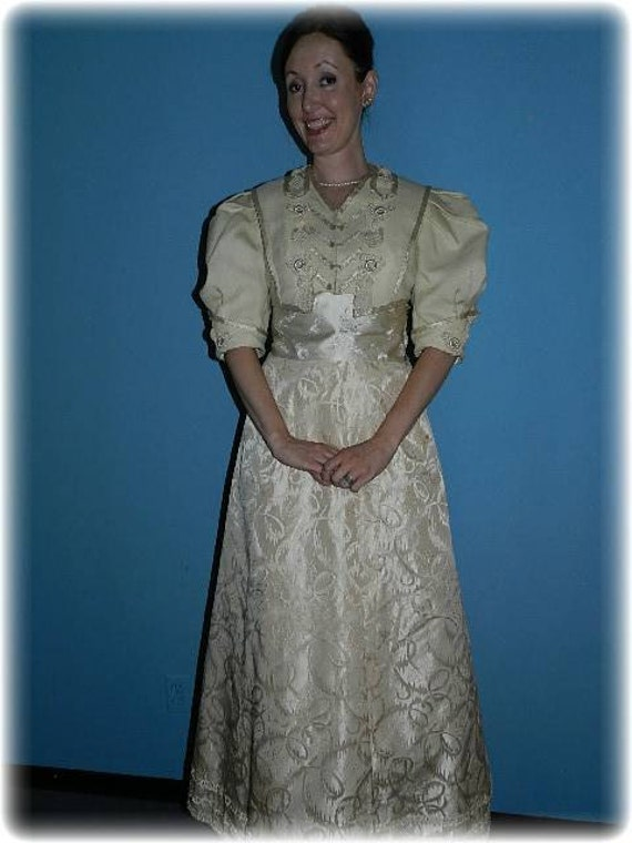 Antique Victorian Champagne Beige Walking Suit wit
