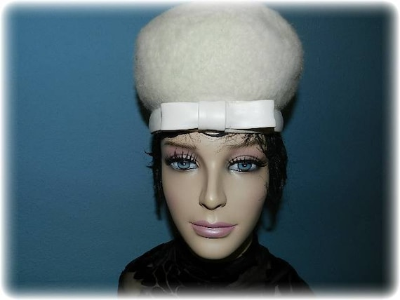 Vintage 1960's White Beaver Fur Pill Box Hat