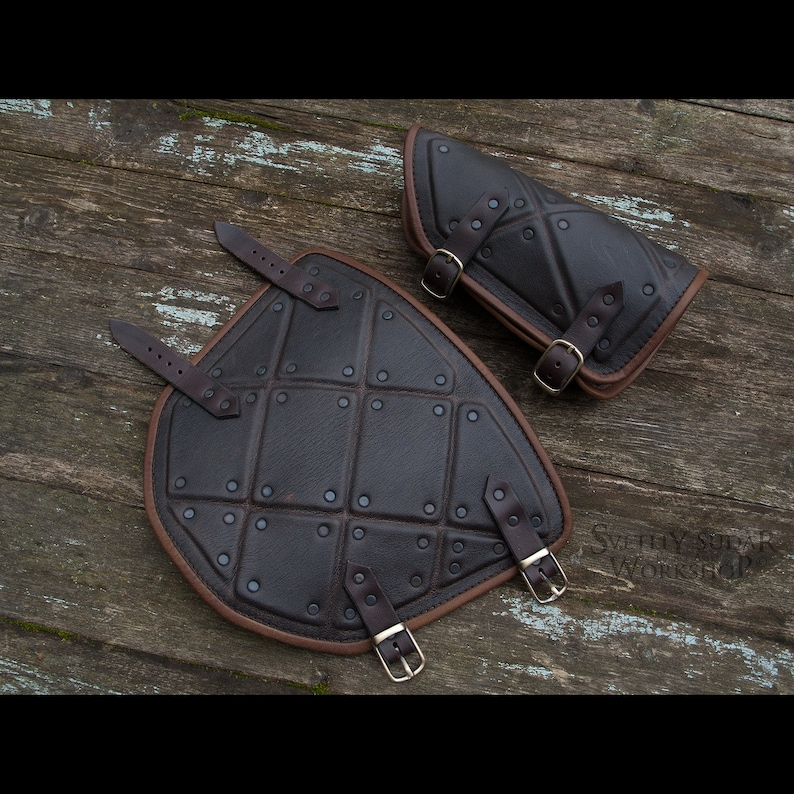 Jon Snow dark-brown leather bracers replica / Stark Armor image 0