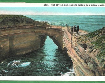 Vintage Postcard  - People Standing at the Devil's Pot on Sunset Cliffs in San Diego, California  (2893)