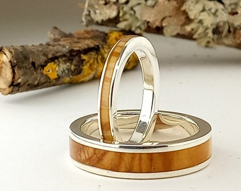9314123e1d65 Alianzas de matrimonio en plata y madera de olivo   Anillos de boda    Anillos de Olivo   Alianzas diferentes