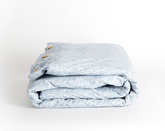 Bedding set made with Liberty fabric  'D'anjo Coast'