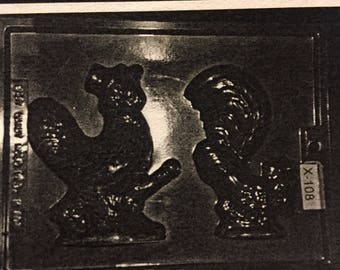 Mould #422 \u2014 Rooster with chicks