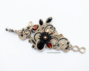 Light cream soutache bracelet. Fashion soutache jewelry.