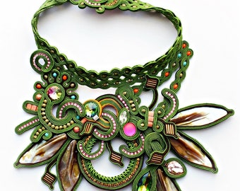 Statement choker soutache.