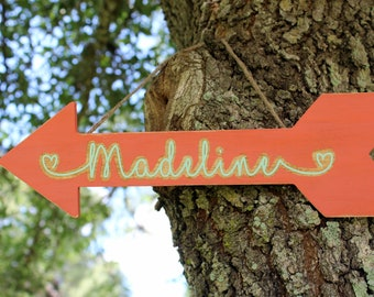 Rustic Arrow Name Sign, Bedroom Wall Art, Woodsy Arrow Plaque, Personalized Decor, blue gray white decoration, kids farmhouse bedroom arrow