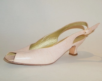 b318b408804 1960 s Vintage VTG Women Bruno Magli Handmade Peach Pink Genuine Italian  Leather Slingback Pumps Heels Shoes 6.5B