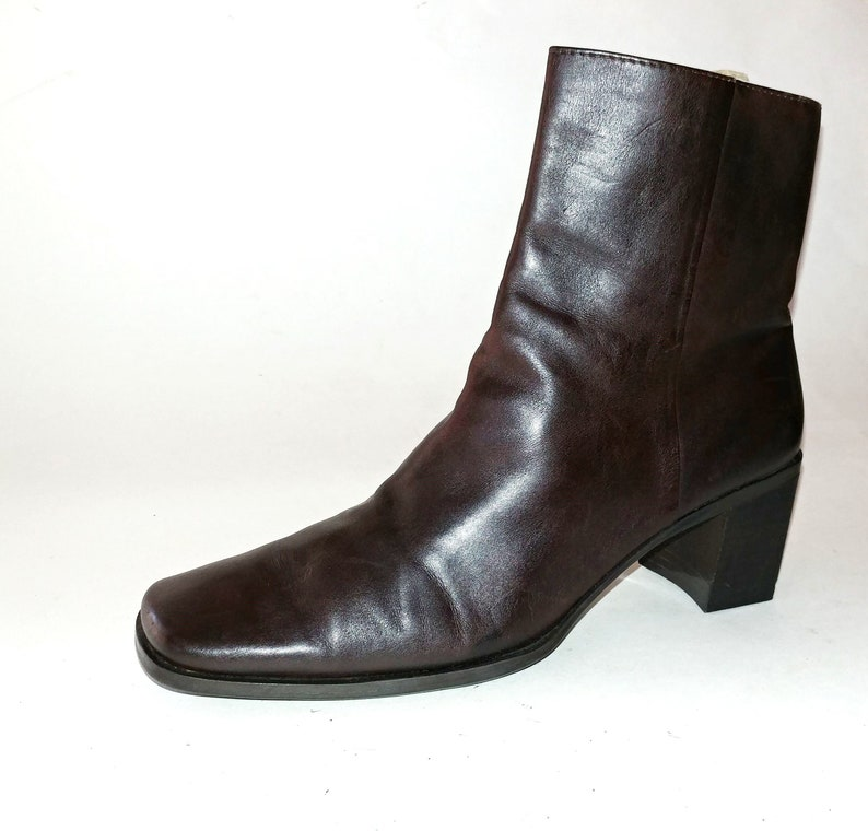 431119ab4af39 1990's Vintage VTG Nine West It'sMine Brown Leather Chunky Stacked Heels  Calf Boots Shoes 6.5M