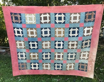 Antique Quilt / Vintage Quilt / Farmhouse Quilt / Antique Feedsack Quilt / Primitive Quilt