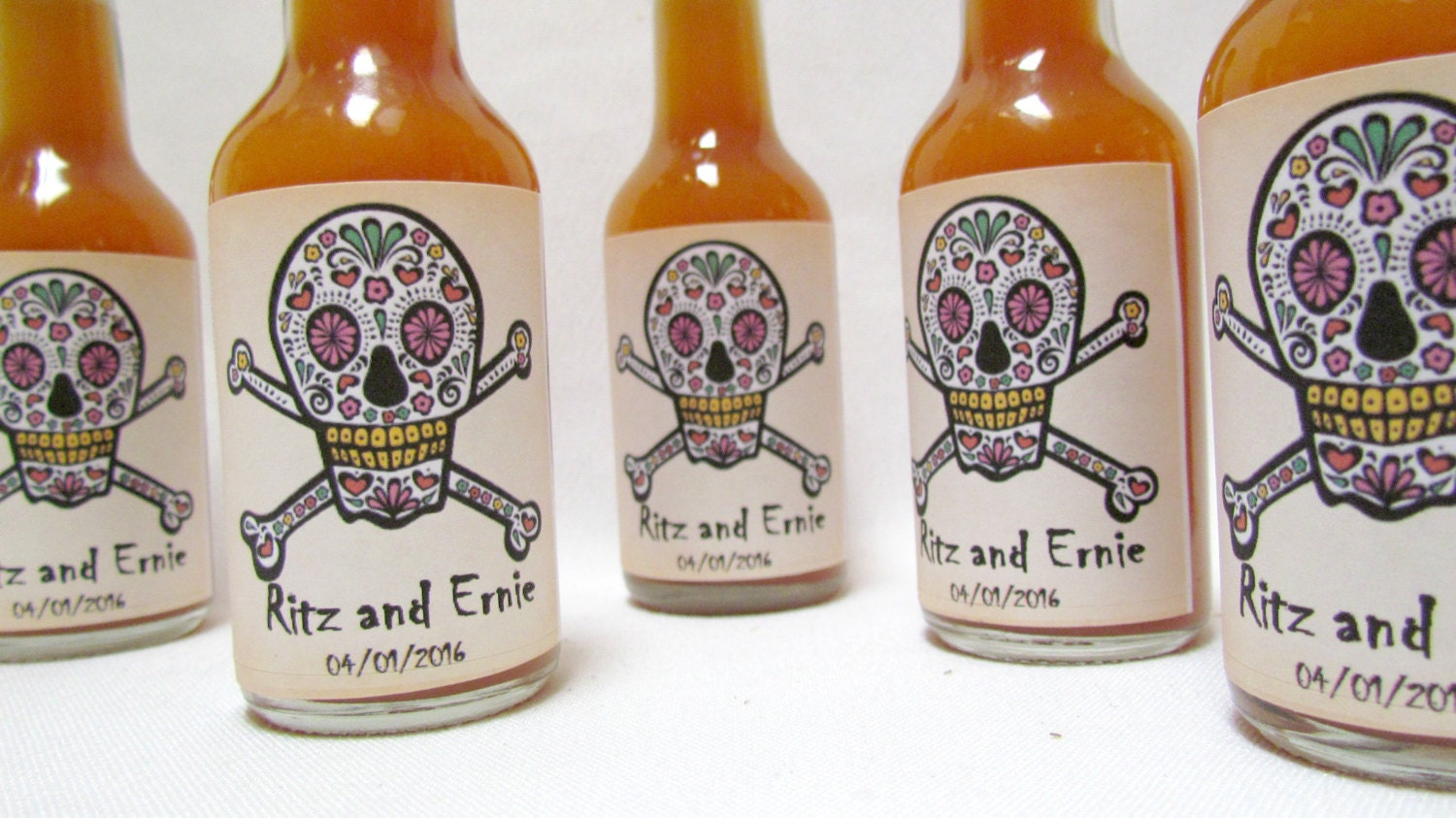 Dia De Los Muertos Wedding Hot Sauce Favors Sugar Skull Etsy