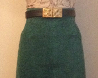 1980s Chic Emerald Green Suede Pencil Skirt/Slim Fit