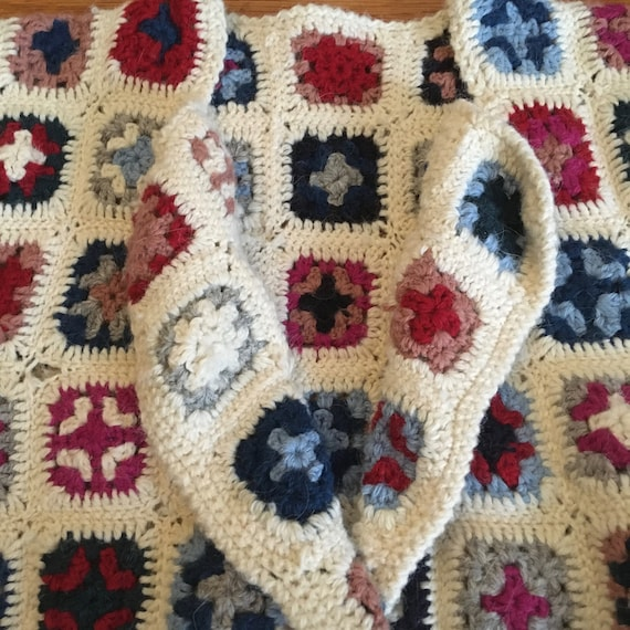 Late 70's Wool Afghan Style Crocheted Wool Croppe… - image 8
