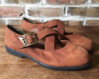 592062309e29 Vintage 1990 s Rust Suede Mary Janes with Squiggle Buckle by Bianco US  Women s 7.5