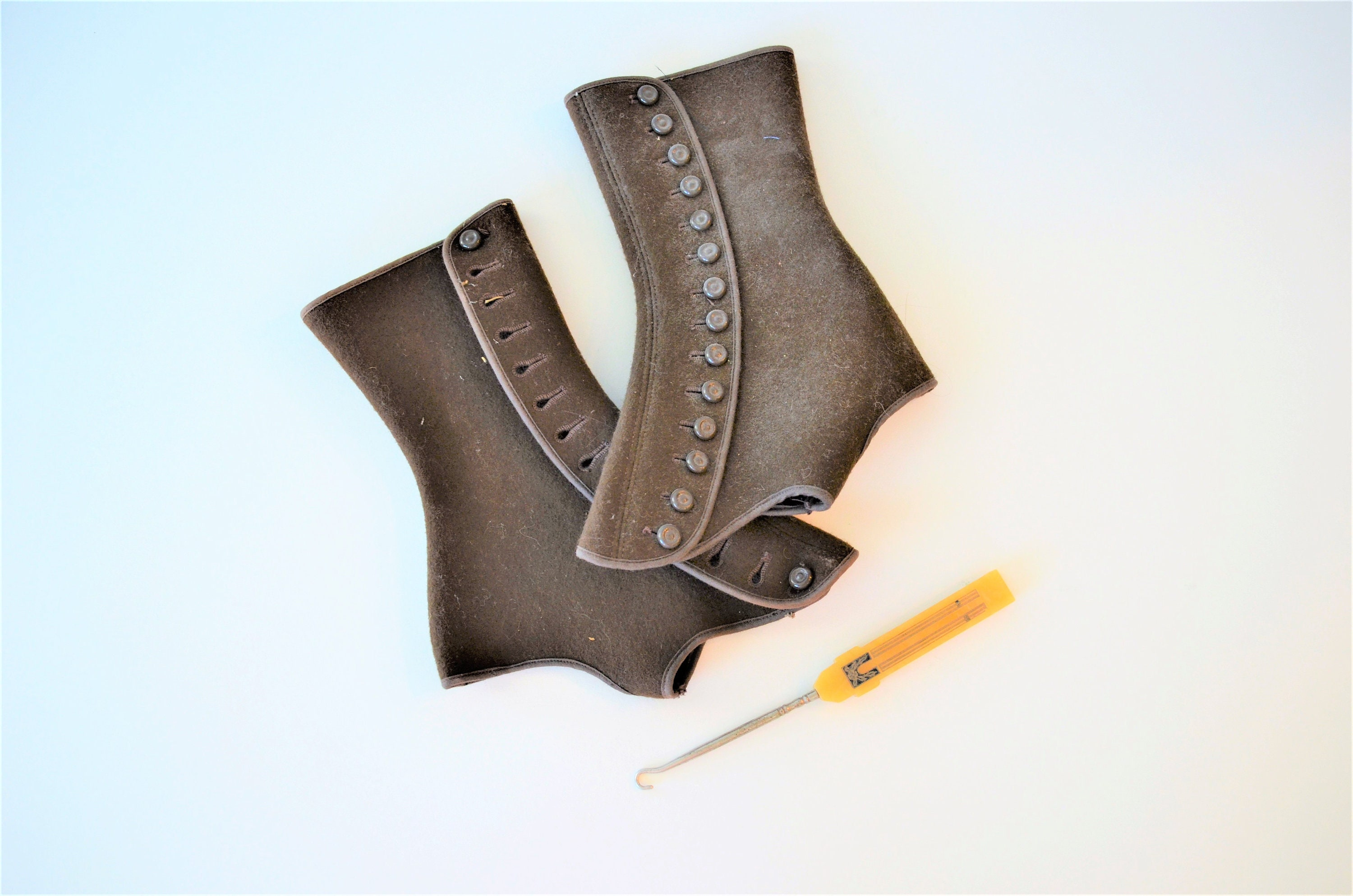 Spats, Gaiters, Puttees – Vintage Shoes Covers Antique Wool Shoe Spats, Victorian Boot Covers, 1800-1900 Edwardian Felt Button Up Spatterdashes Spatter Guards Stylish Dressing $30.00 AT vintagedancer.com