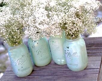 Robin Egg Blue Mason Jars for Shabby Chic Weddings / Distressed Paint Glass Jar Wedding Decoration / Wedding Centerpiece in Robins Egg Blue