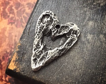 Rustic Heart Pendant, 26mm, Handcrafted Handmade Jewelry Making Components, Handcast Pewter, Artisan Crafting DIY Crafts 261-PD