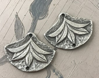 Leaf, Plant, Charms, Aged Finish, 17mm, Jewelry Charms, Pewter Components, Handmade Crafting Jewelry Supplies, DIY, Artisan 337-CD