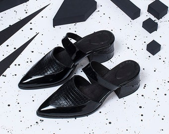 Black Mules, Pointed Toe Shoes, Leather Mules, Comfort Shoes, Slip Ons, Summer Sandals, Elegant Summer Shoes, Shiny Leather Mules