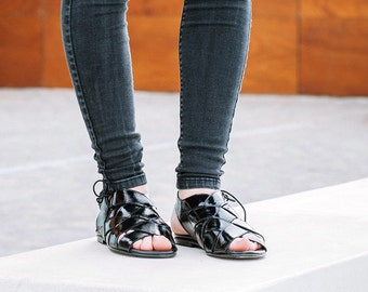 Black Leather Sandals, Strappy Leather Sandals, Summer Flat Shoes, Women's Boho Sandals, Womens Fisherman Sandals, Black Sandals