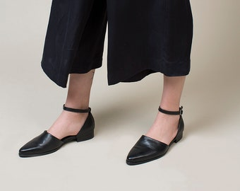 Black Sandals, Black Slip On's, Flat Leather Sandals, Summer Shoes, Classic Black Shoes, Womens Ankle Strap Sandals, Mules, Handmade Shoes