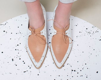 Oxford Leather Shoes, Flat Leather Shoes, Pointy Leather Shoes, White and Brown Oxford Shoes, Handmade Custom Made, Comfortable Shoes